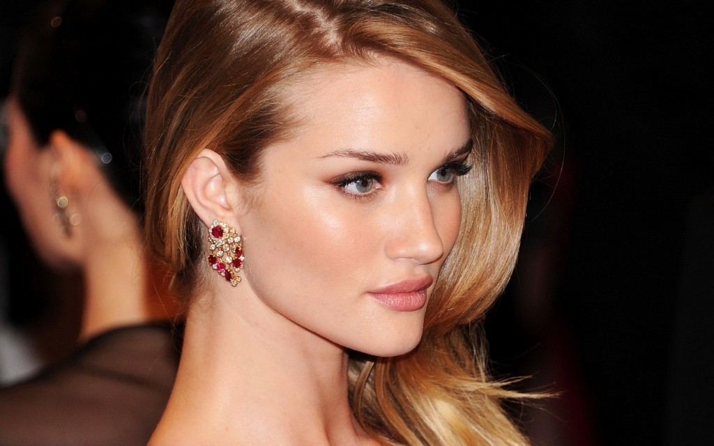 rosie-huntington-whiteley-wallpaper-hd-5